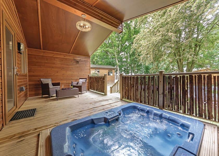 Stunning Juliet Lodge at Bluewood Lodges