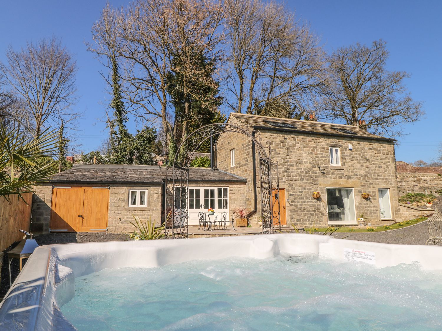 Cottage with a Hot Tub