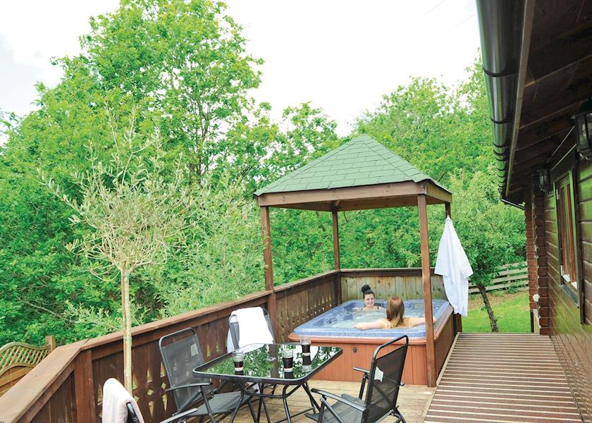 Lodges with Hot Tubs in Powys
