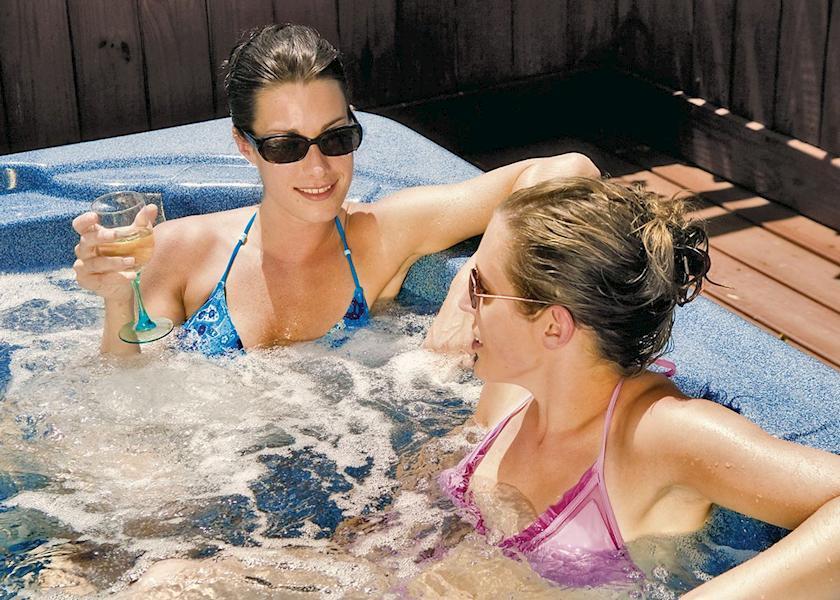 Jaybelle Grange Lodges with Hot Tubs