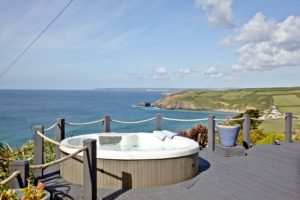Gorgeous Hot Tub with views at Spindrift Cornwall