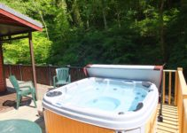 Relax and unwind in Waterside Lodge