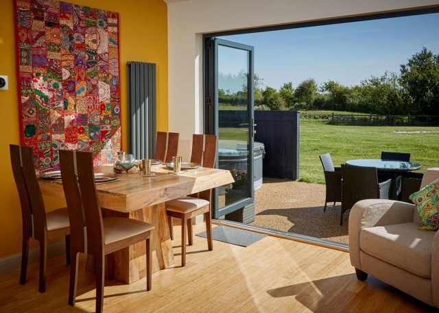 Gorgeous Lodge with bi fold doors for families