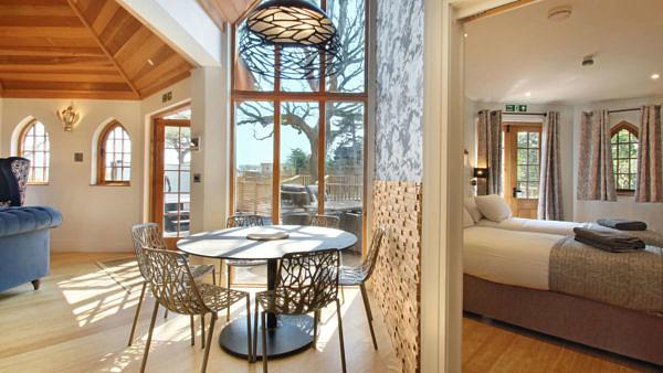 Shorefield Al Fresco Treehouse Living Concept