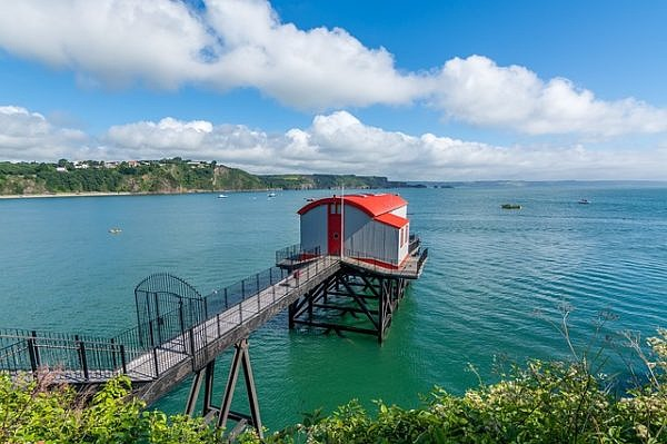Tenby lifeboat station pembrokeshire