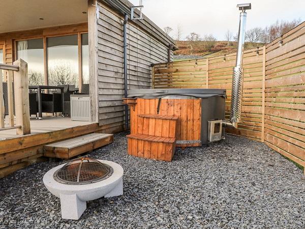 The Hidden Meadow Hot tub area