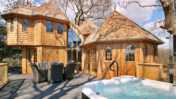 Tree House Cabins with a Hot Tub