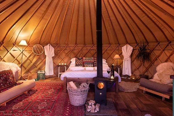 Yurtshire Eavestone Lake Room