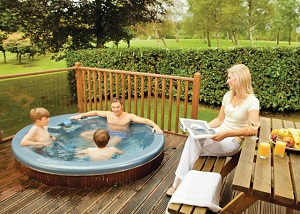 family lodges with hot tubs