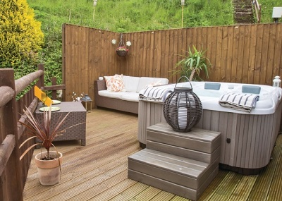 heron lakes retreat lodges with hot tubs