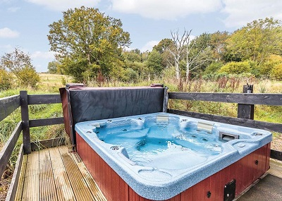 hot tub holidays june offers