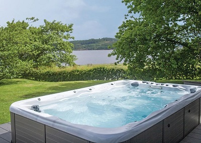 landal kielder waterside willow swim spa