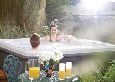 summer 2015 hot tub holidays uk